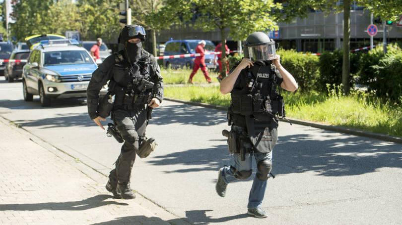 size_810_16_9_policiais-em-viernheim