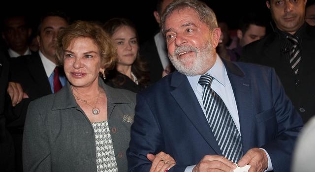 SÃO PAULO, SP, BRASIL, 23-05-2011: O ex-presidente Luiz Inácio Lula da Silva e a primeira-dama Marisa Letícia durante visita a Casa Cor 2011, em São Paulo (SP). (Foto: Mastrangelo Reino/Folhapress, 1491, ILUSTRADA)